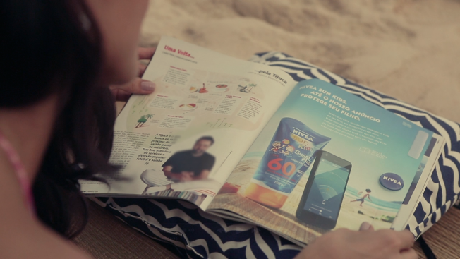 New Nivea Ad Features a Bracelet that Stops Your Children From Running Off at the Beach!