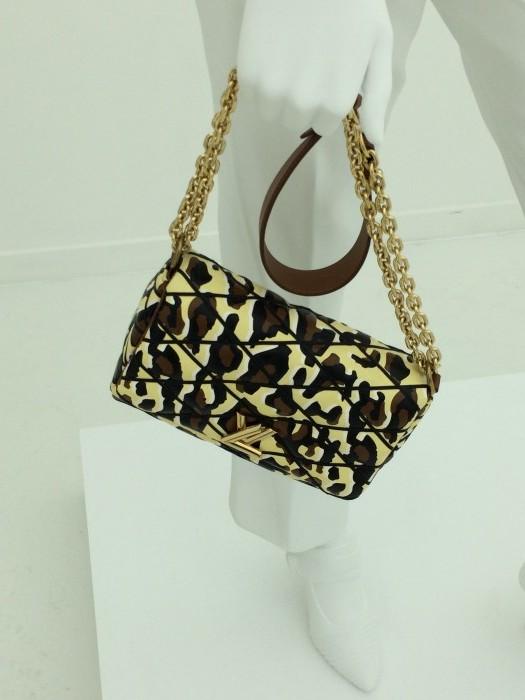 Louis_Vuitton_Brand_Experience_Retail 4
