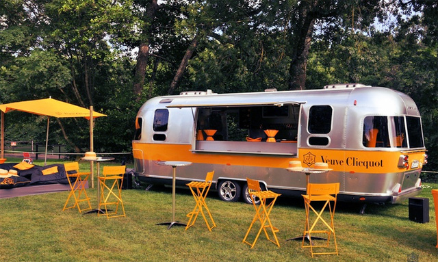 veuve_clicquot_mobile_champagne_caviar_bar_the_branding_journal